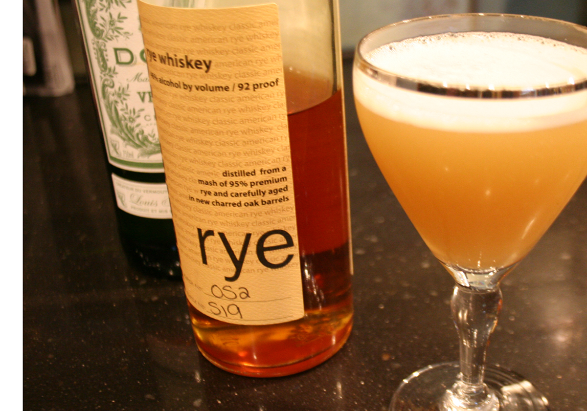 Rye and White Vermouth for an Algonquin Cocktail