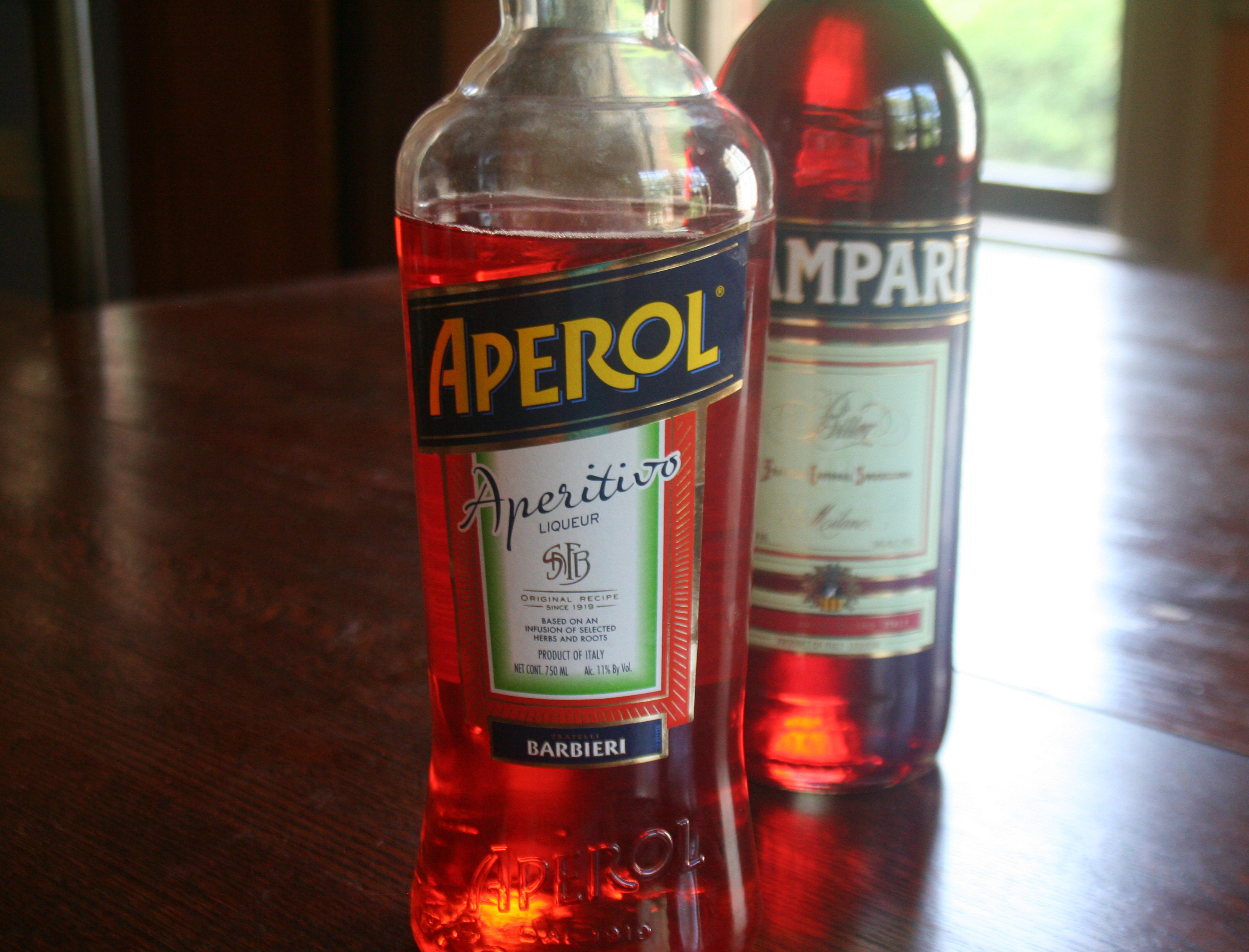 Aperitvo liqueurs from Italy - Aperol and Campari