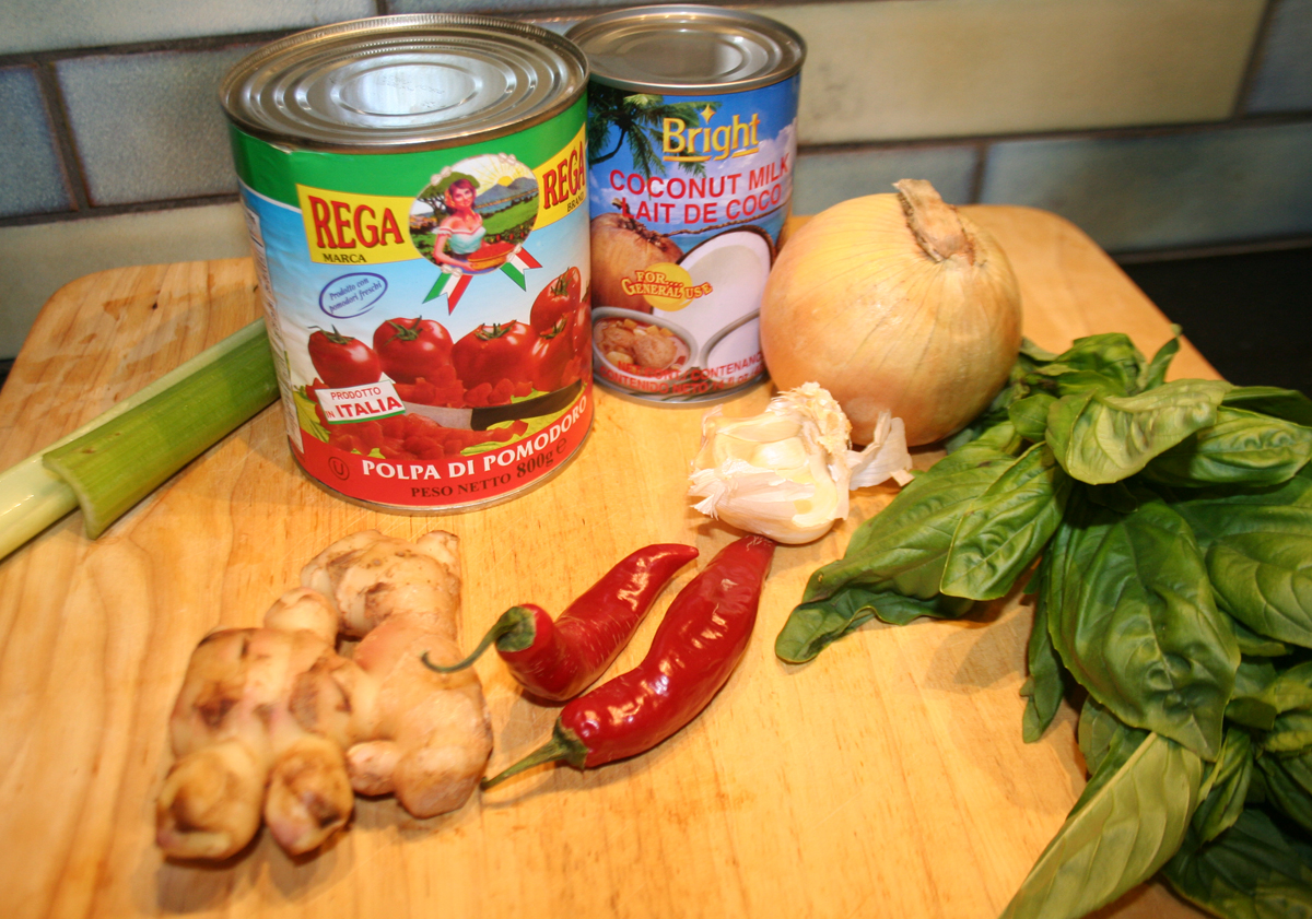 Ingredients for Thai Tomato Coconut soup
